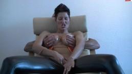 dirty-talk-masturbieren-titten-stimulation